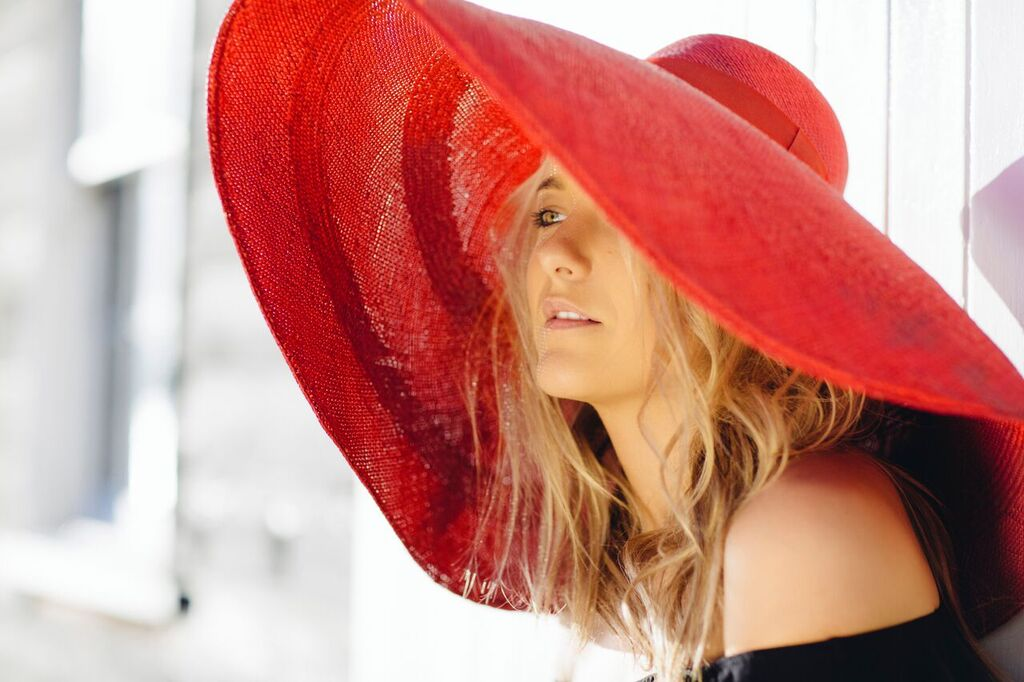 hermioneolivia_hat_red_I